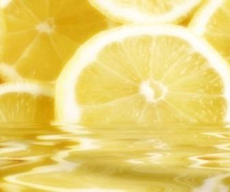 ¿Beber agua de limón para adelgazar?