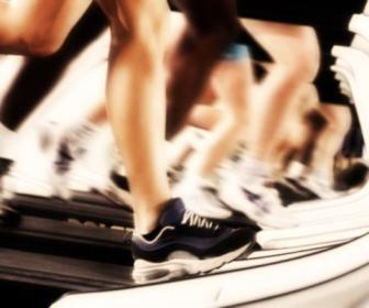 Pierde peso corriendo en la cinta
