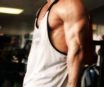Ejercicios de tríceps con pesas y mancuernas
