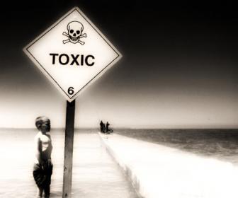 Quemaduras por ácidos alcalinos y productos químicos.